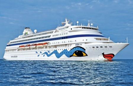 ...sondern ein ausgewachsenes Kreuzfahrtschiff!