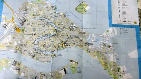 Mein Stadtplan mit den Markierungen für Landmarks, Sehenswürdigkeiten und - Toiletten. Damals kannte ich den Trick mit dem Caffé noch  nicht.