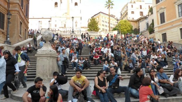 Traum aller Romtouristen: Sich einmal auf der Spanischen Treppe den Arsch plattsitzen.