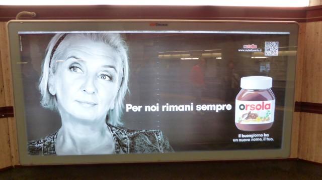 """Werbung überall: Man kann seinen Namen auf Nutellagläser drucken lassen. """"Der Morgen hat einen neuen Namen: Ursula"""". Ähm."""