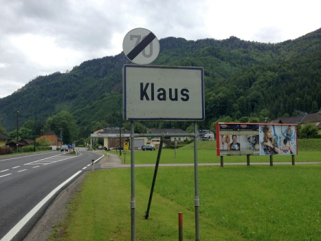 """""""Herr Geheimrat, welchen Namen soll die neue Siedlung tragen?"""" - """"Mir do´egal, nennen sie Sie einfach Heinz oder Erwin oder..."""""""