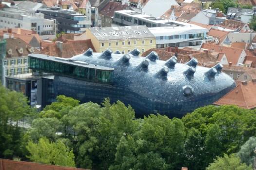 Skurrile Gebäude. HIer: Das Kunstmuseum. Sieht aus wie ein gestrandetes Meerestier.