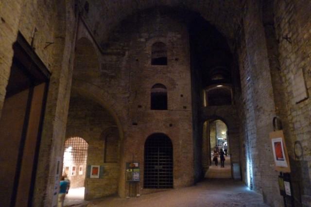 Tief in den Fundamenten der Stadt: Eine unterirdische Markthalle.