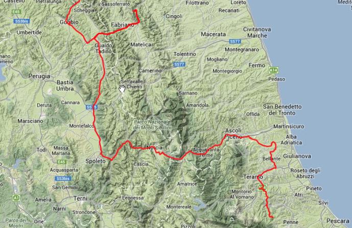Durch die Abruzzen: rund 285 Kilometer kaputte Strassen und irre Kurven. Würg.