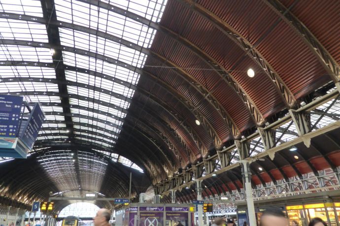 Die große Halle von Paddington Station.