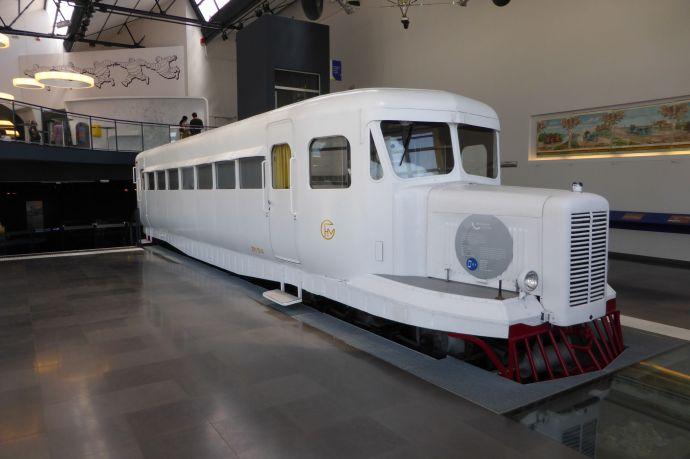 Eine Micheline, ein Bus auf Reifen. Leise, komfortabler und viel schneller als ein Zug.