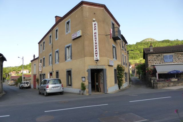 Urig. Hotel Magne in Saurier.