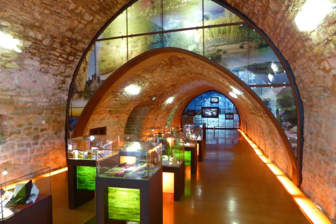 Besuchercenter, in dem Produkte aus der Region vorgestellt werden.