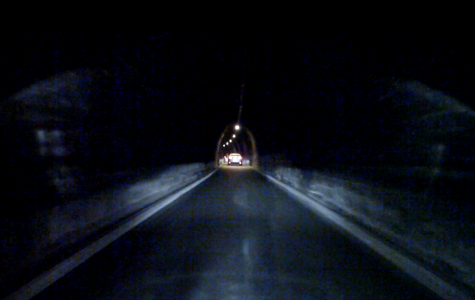 tunnel002