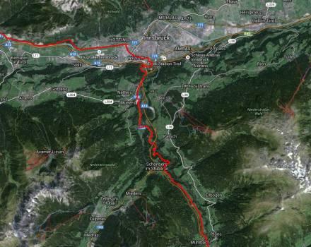 Schöne Kurven hinab nach Innsbruck.