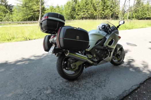 ZZR600: Ist  stark, leicht und wendig und trotzdem ein Packpferd. Macht einfach Spaß.