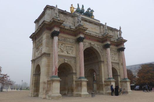 Arc du Triomphe du Caroussel vor dem Louvre.