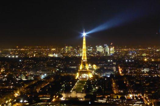 Auf Augenhöhe mit dem Eiffelturm. Bild: Silencer.  (c)  Tour Eiffel – Illuminations Pierre Bideau.