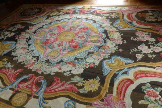 Verschwenderisch schön. Teppiche, auch nach Jahrhunderten noch in gutem Zustand. Das ist noch Qualität!
