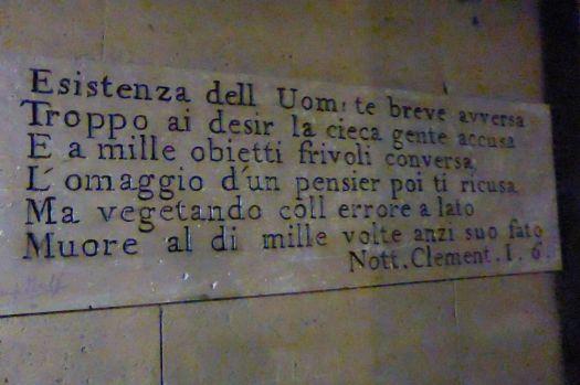 Inschriften auf italienisch, aber was da steht verstehe ich nicht.