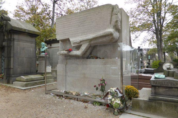 Wirklich ziemlich hässlich: Grabmal von Oscar Wilde.