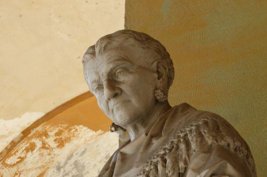 Caterina, die Frau mit den Nüssen.