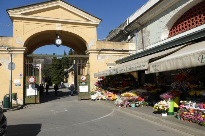 Eingangstor zu Staglieno.