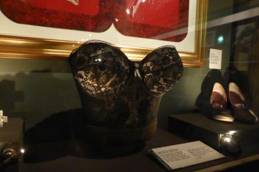 Bustier von Marilyn. Die Frau war winzig!
