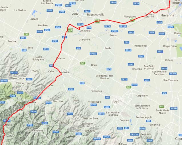 Hinter Faenza geht es ab in die Berge.