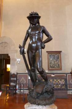 Donatellos anatomisch seltsamer David.