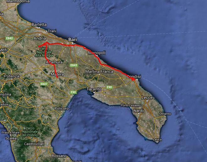 Tour des Tages: Von Matera über das Castel del Monte nach Brindisi, rund 250 km.