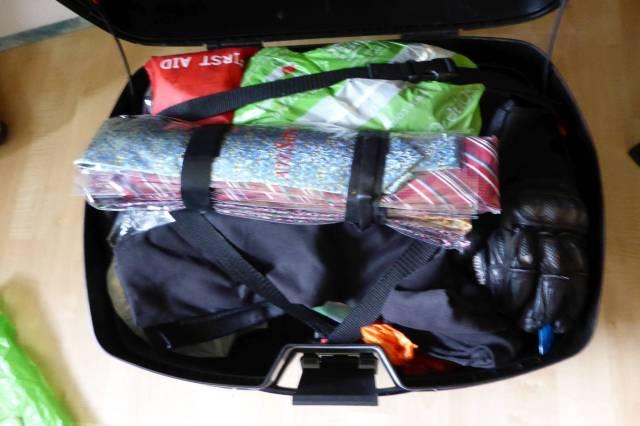 Eng gepackt: Auf der Heimfahrt sind die Koffer voller, es gilt viele Spezialitäten mitzubringen...