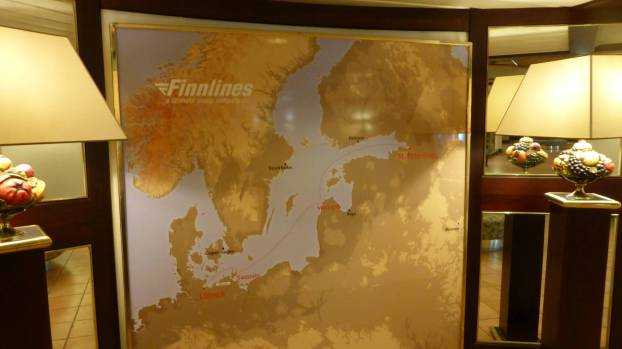 Der alte Routenplan in der Ostsee hängt noch aus.
