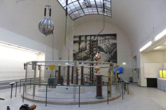 Hochspannungsexperimentiersaal.