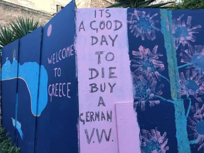 Es ist das Jahr der wirtschaftlichen Repressionen und des VW-Skandals. Dieser Künstler ist nicht gut auf Deutschlad zu sprechen.
