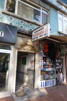 Unscheinbar: Der Eingang zum Hammam.