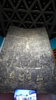 Relief im Inneren des Turms.
