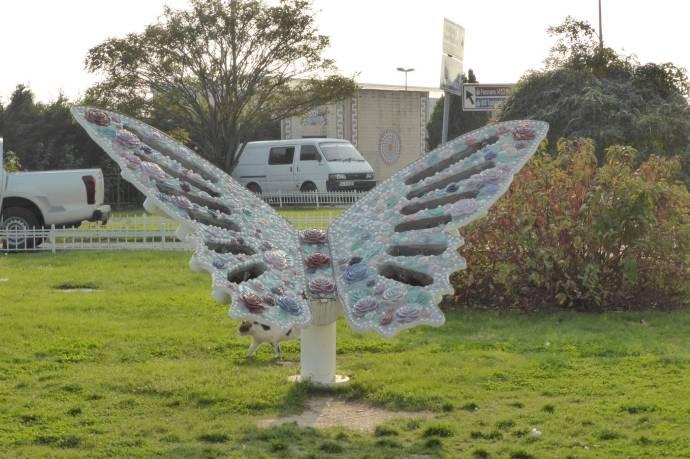 Statuen im Park.