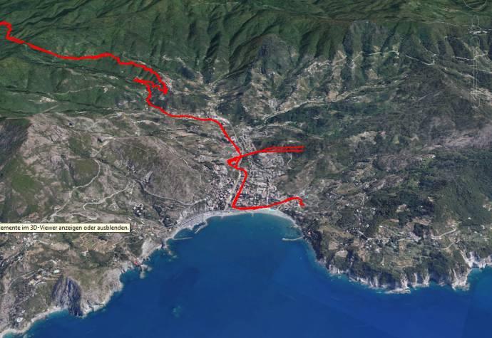 Levanto liegt auch mit dem Hintern in der See und der Nase in den Bergen.