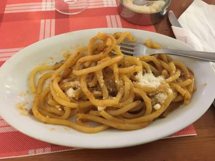 Pici sind dicke, feste Spaghetti.
