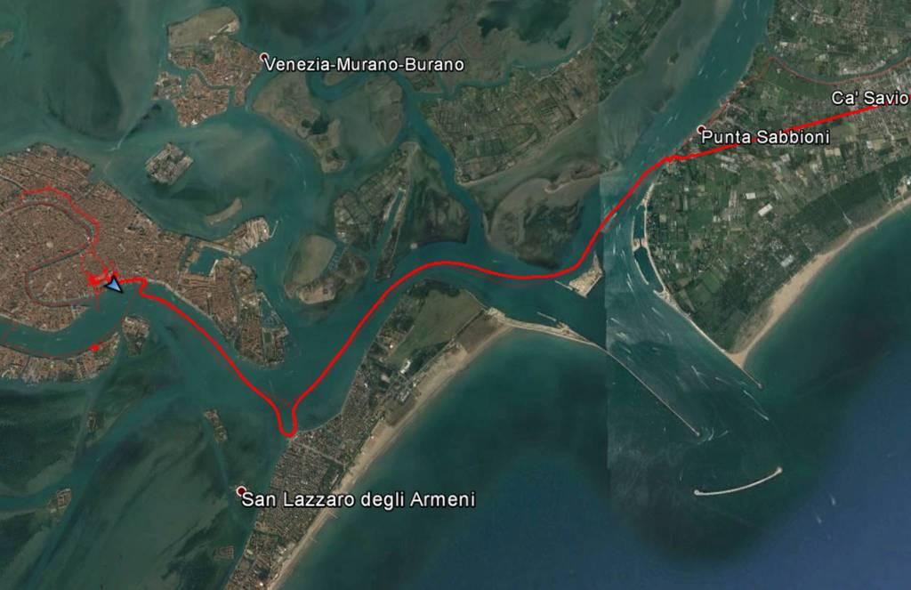 Fahrt durch die Lagune: Von Punta Sabbioni am Lido vorbei nach Venedig.
