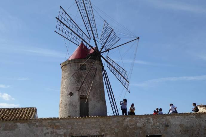 Hält Salzluft aus: Arabische Mühle aus Kirschholz.
