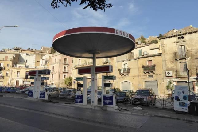 Mini-Tankstelle.